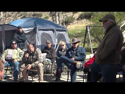 Patriots assemble to support The Bundy Family after warrant issued for Ammon