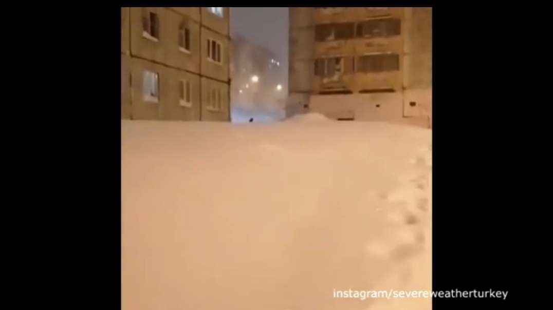Talnakh, Krasnoyarskiy Kray, Russia. Extreme weather - Powerful Blizzard..mp4