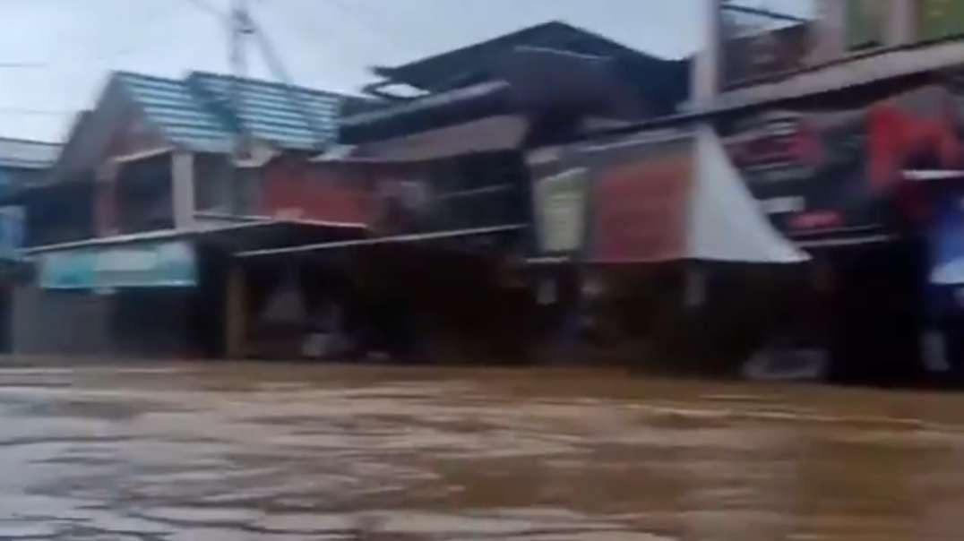Indonesia – Thousands of Families Affected by Floods in South Kalimantan Provinc_HD.mp4