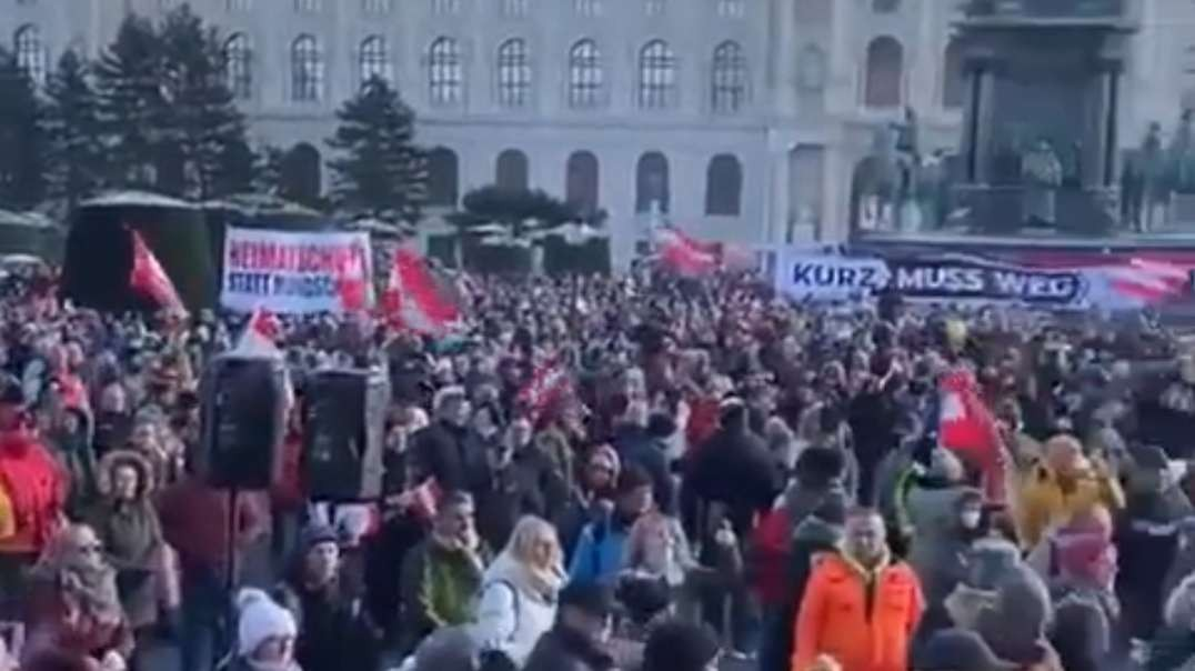 Anti lockdown protest today in Vienna, Austria.mp4