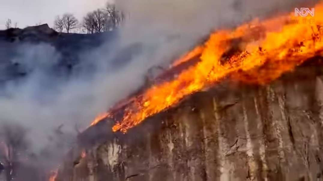 Major Fire in Bera, Navarra, out of control, village evacuation. Spain wildfire .mp4