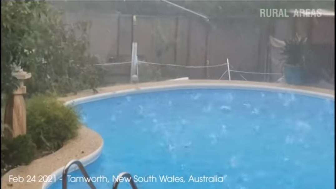 (Feb 24, 2021) Tamworth storm- Thunderstorm, rain and hail hit the city with ris.mp4