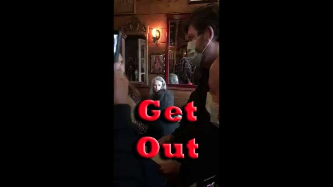 DINERS CHANT 'GET OUT' AS GOVERNMENT THUGS TRY TO SHUTDOWN RESTAURANT [2021-04-10] (VIDEO)