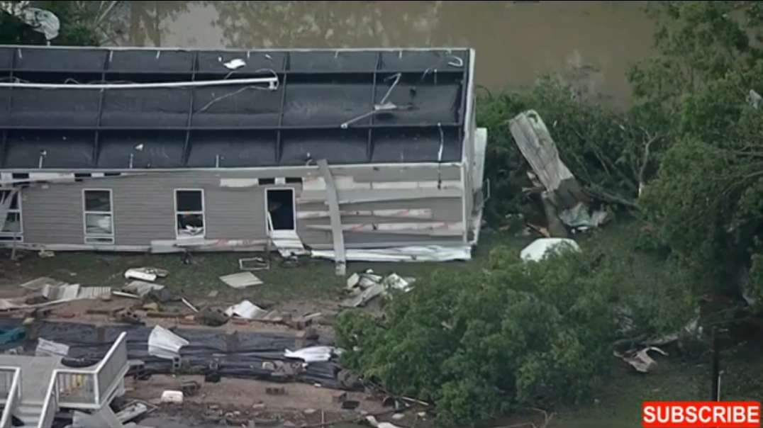 Aerial footage of tornado and storm damage in the Waxahachie-Forreston area _ Ma.mp4