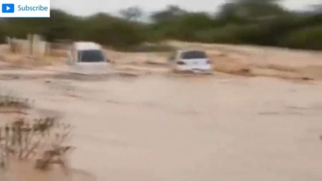 Cars are being carried away by intense streams of Floods in Somalia, Africa _ Ma.mp4